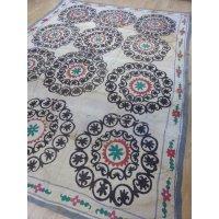 わけありでお買い得 ヴィンテージ ウズベキスタンの大きなスザーニ コットン布にコットン糸の手刺繍 254×230cm