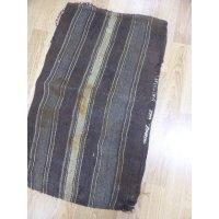 わけありお得 ヤギ毛で作られたケレス遊牧民のチュワル マットやクッションとしてお使いください 100×60cm