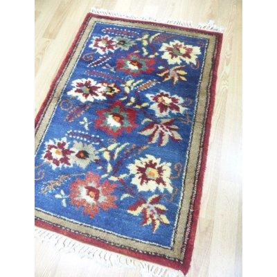 画像1: オールド絨毯 珍しいリアルお花柄 草木染め 128×87cm